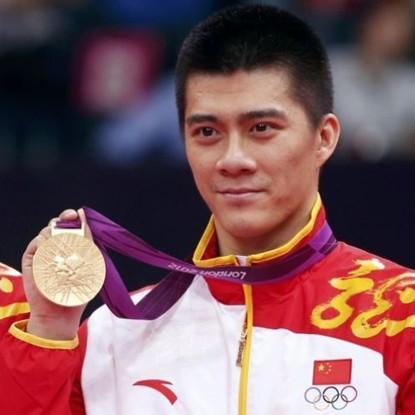 2012年8月5日,伦敦奥运会羽毛球男双决赛中,蔡赟/傅海峰2-0战胜丹麦